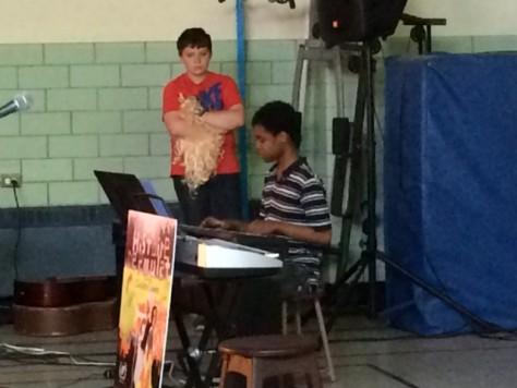 Meddhy au piano